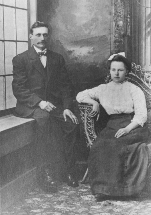 portrait of Jacob and Lena Zimmerman Willems, 1909