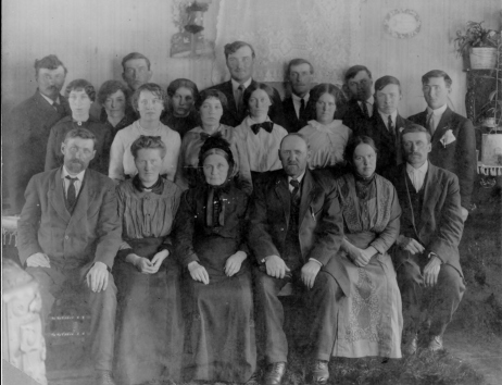 Heinrich & Elisabeth with adult children c. 1915