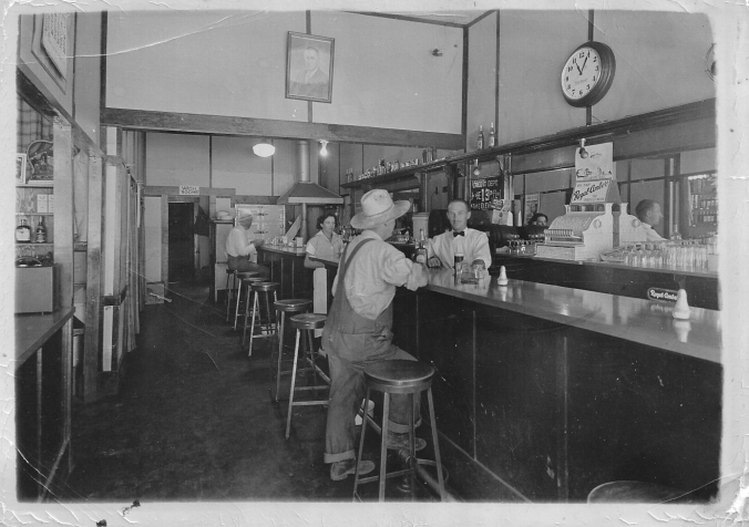 Bartending, Stanley Willems 1930s